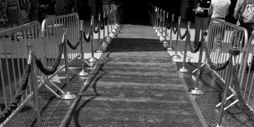 Crowd_Control_Red_Carpet_Stanchions_Barricade